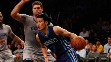 Jeremy Lin Drive by Brook Lopez
